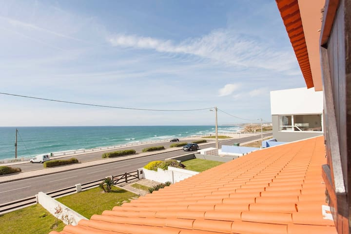 BEACHFRONT VILLA WITH POOL - Torres Vedras - House