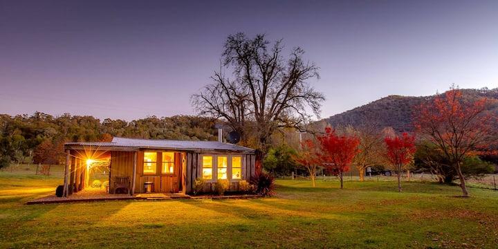 Luxurious Miners Cottage Riverdowns