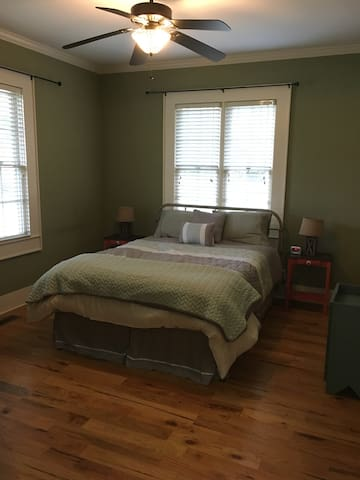 Master bedroom with queen bed and memory foam matress