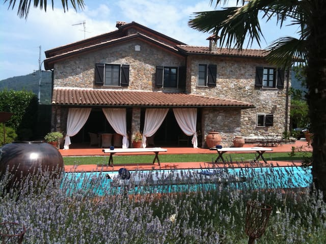 Villa La Cicala with pool near Cinque Terre - Beverino - Casa de camp