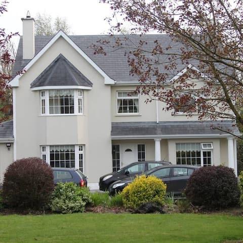 Sabina wood House 2