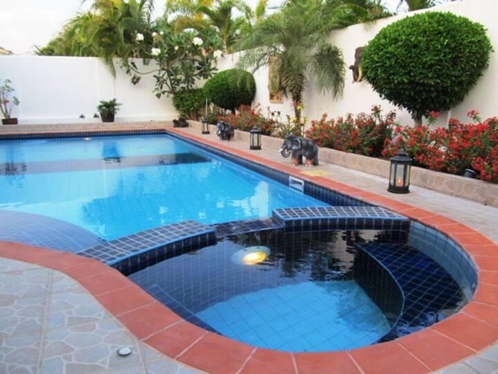 Green Bean Pool Villa