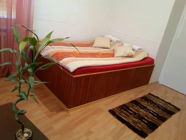 2 bedroom flat (heart of OLD TOWN) - Sarajevo - Lägenhet