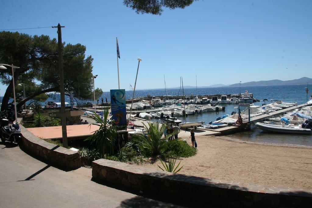 vue sur le port de boulouris