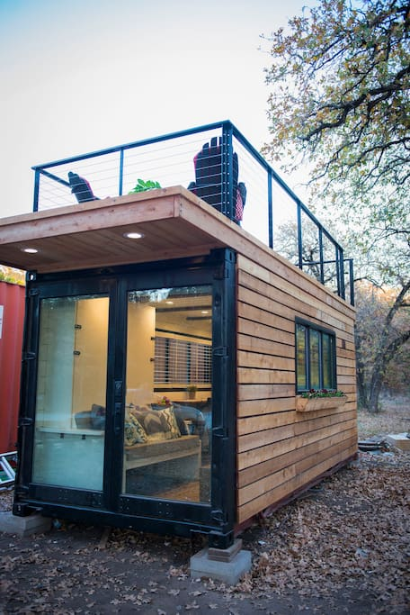 elegant container home tiny house 1 near magnolia tiny houses for rent in waco texas united. Black Bedroom Furniture Sets. Home Design Ideas