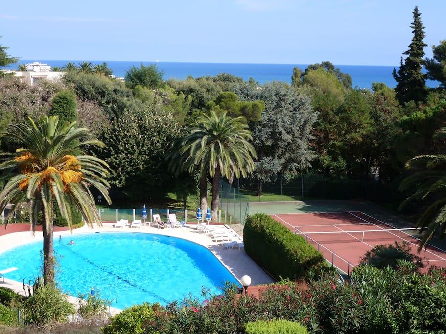 700 m plages piscine tennis vue mer parking for Piscine villeneuve loubet