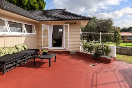 1 year lease furnished house-price incl utilities