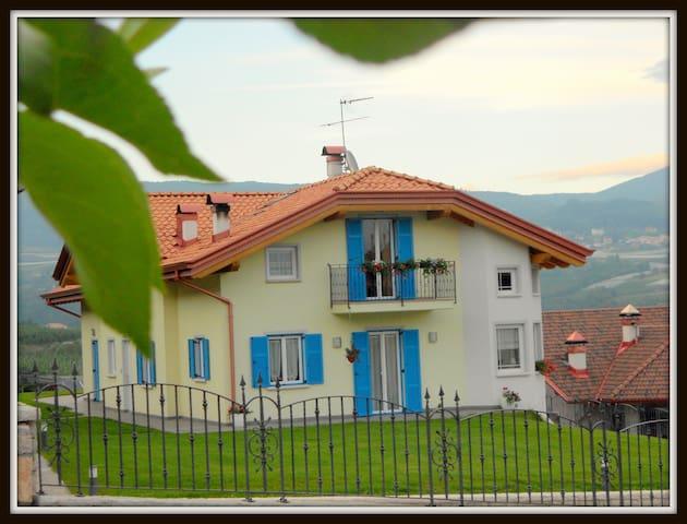 Dolomiti-Trentino: vacanze, relax, ottima cucina e - Brez - Daire