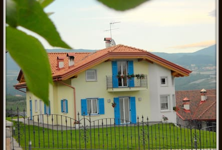 Dolomiti-Trentino: vacanze, relax, ottima cucina e - Brez - Apartamento