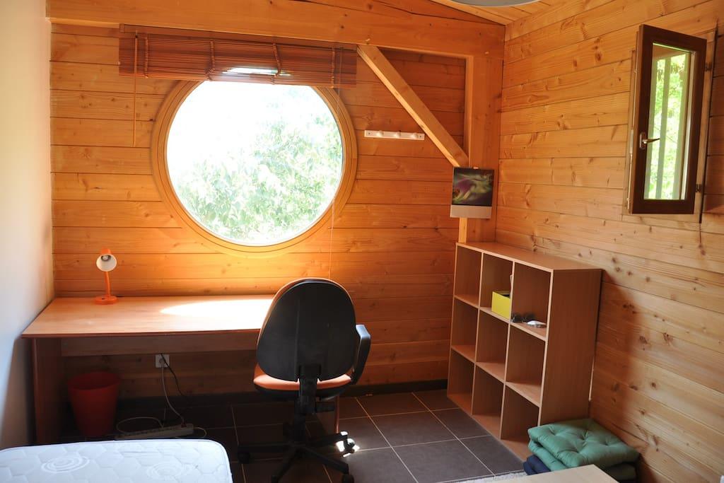 co location dans une maison en bois h user zur miete in montpellier languedoc roussillon. Black Bedroom Furniture Sets. Home Design Ideas