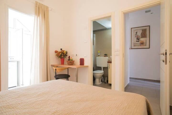 Cozy-Renovated Well Equipped Studio - Jerusalem - Apartment