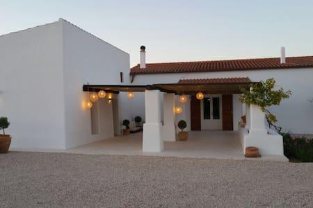 Casa tranquila en la mola