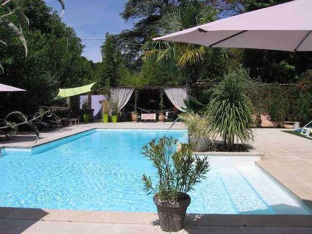 Loft 4 pers  avec piscine et spa - Cadenet - Loft