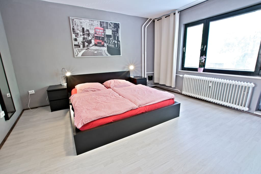 Stylish xberg near hasenheide park apartments for rent for Hasenheide 12