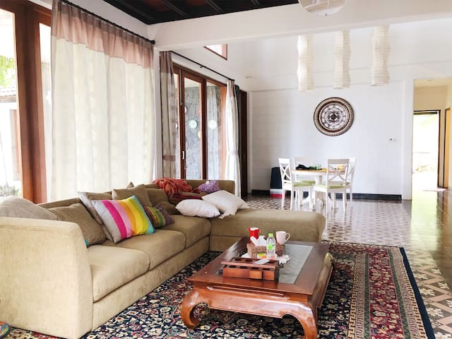 Rameda House; Spacious 2-floor Villa in Lembang.