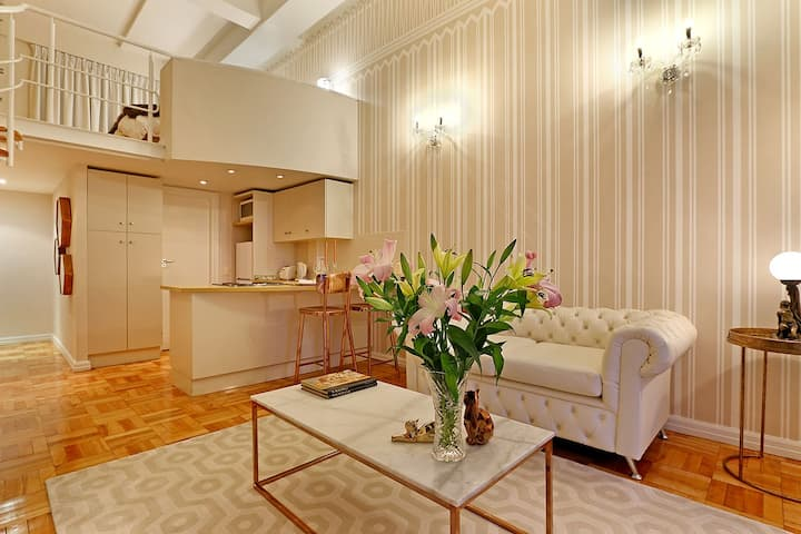 Afribode's  Art Deco Loft