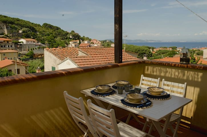 Charming studio + sea-view terrace - Cavo - Apartemen