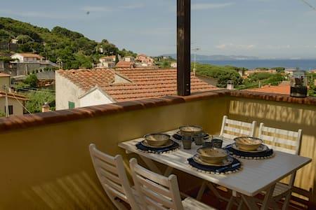 Charming studio + sea-view terrace - Cavo - Квартира