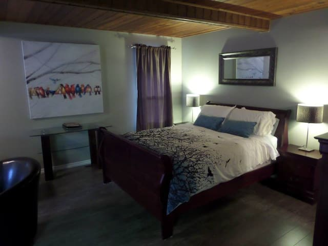 Evergreen Suite @ Alpine Village Resort - Swansea Point - Lejlighed