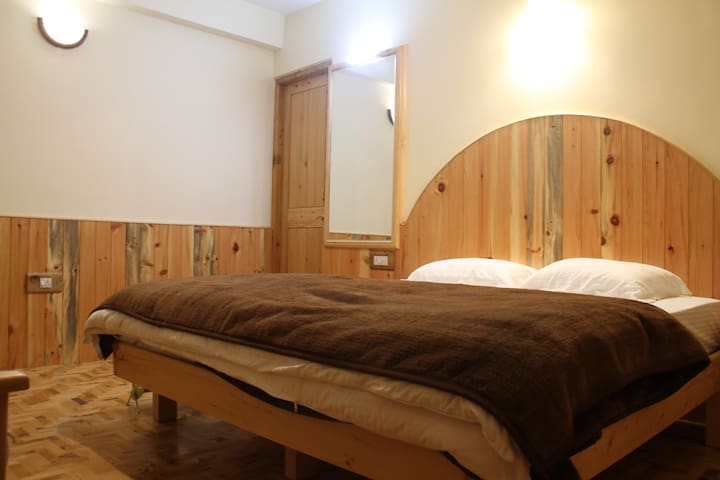 Himalayan Nest:Double deluxe room 2 - Vashist - Daire