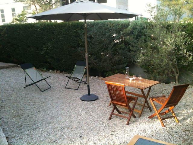Studio indépendant avec jardinet - Roquefort-la-Bédoule - Leilighet