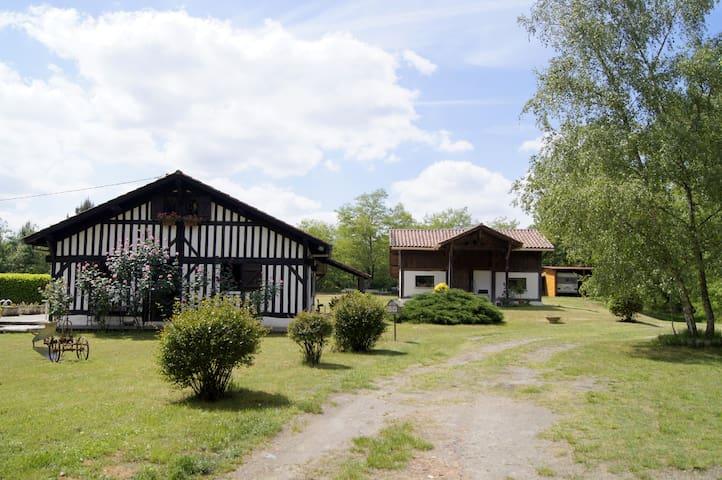 Grange dans la forêt landaise - Geloux - Huis