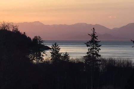 Luxury Ocean Oasis + Breathtaking Views on 6 acres - 蘇克(Sooke) - 獨棟