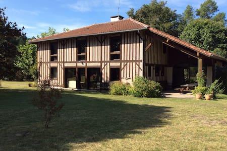 Grande maison landaise restaurée - Vielle-Saint-Girons