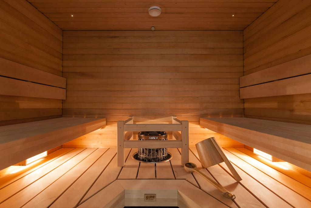 A six person Finnish sauna with Bose loudspeakers connected to Sonos sound system.