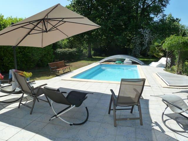maison cosy, grand jardin + piscine - Pessac - Dom