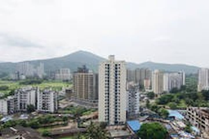 Under Mumbai sky + Mountain view - Thane - Departamento