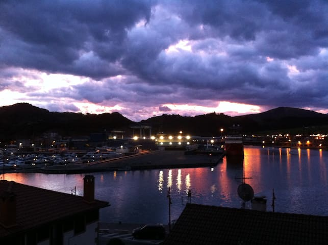 Zumaia. Old town. 5 min walk from the beach - Zumaia - Byt
