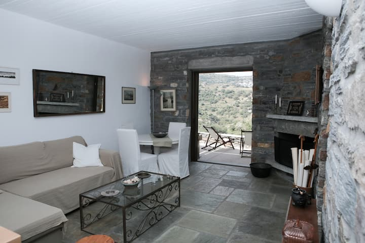 Countryside Stone Cottage in Kea