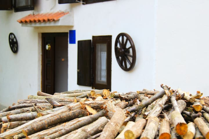 Traditional Istrian House (3-4 pax) - Boljevići