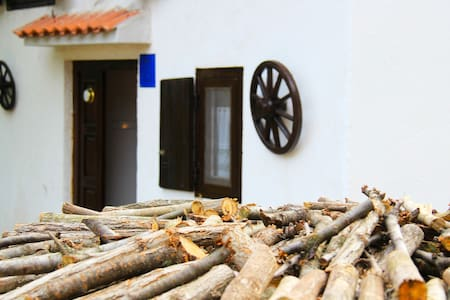 Traditional Istrian House (3-4 pax) - Rumah