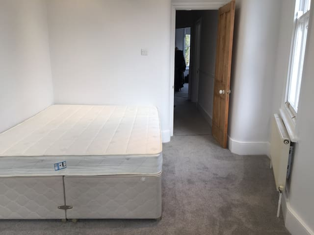 Private luxury king size room with ensuite