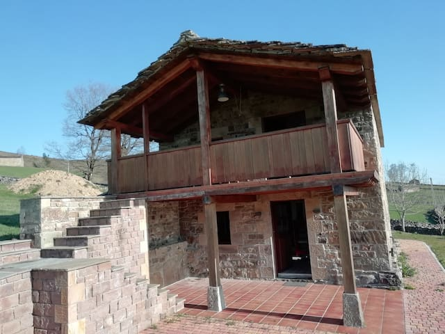 Bella casa rural en Cantabria con Pirámide