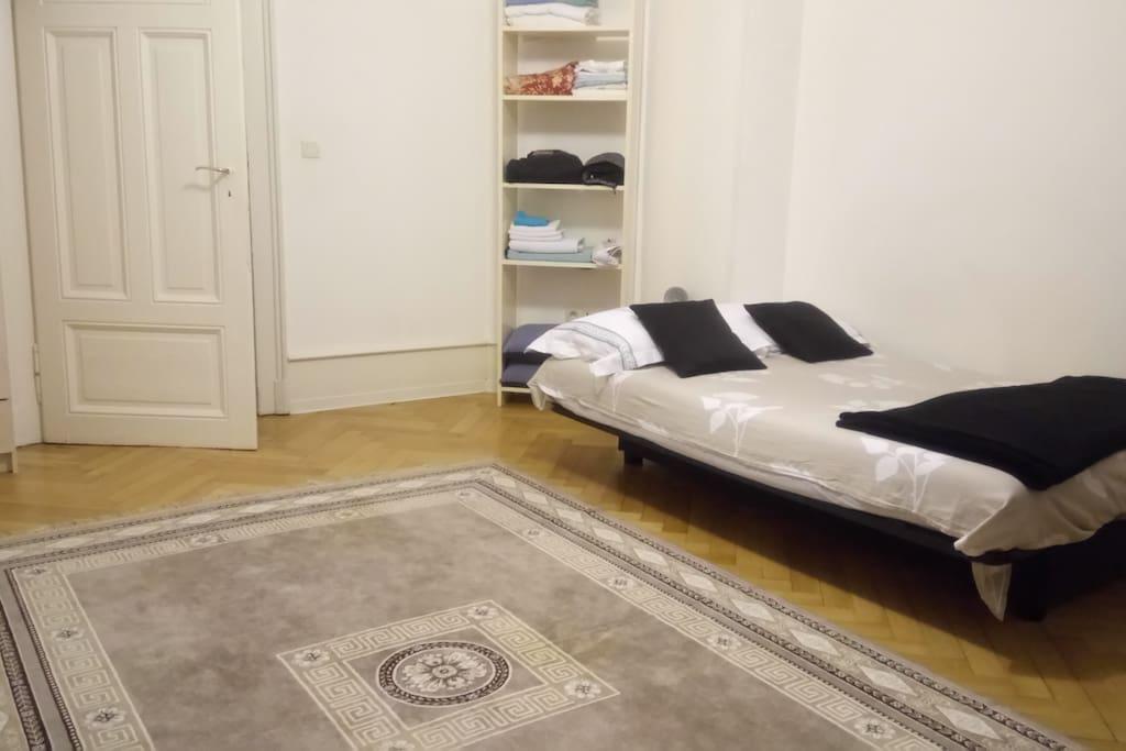 grand appartement au pied du tram appartements louer strasbourg alsace champagne ardenne. Black Bedroom Furniture Sets. Home Design Ideas