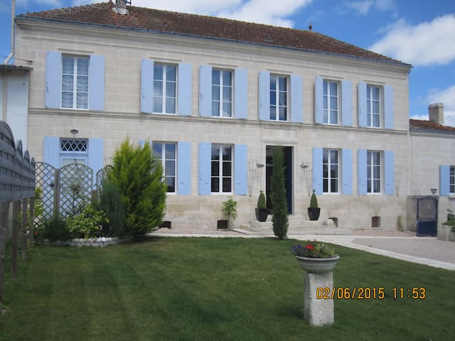 Maison Schuler quiet in the country - Saintes / Berneuil - Bed & Breakfast