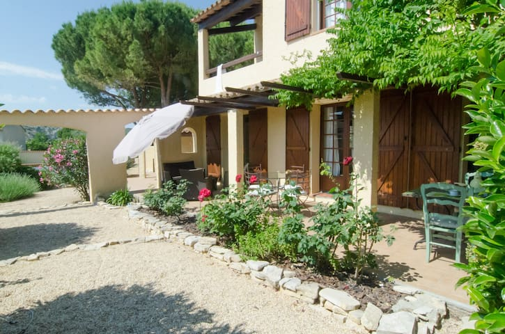 Charming and peaceful villa - Armissan