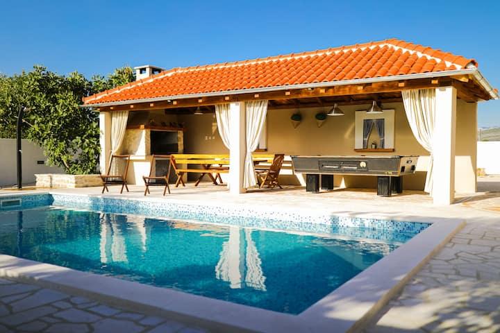 Villa de luxe à Pridraga avec piscine