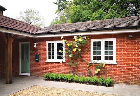 Emsworth Woodland Retreat