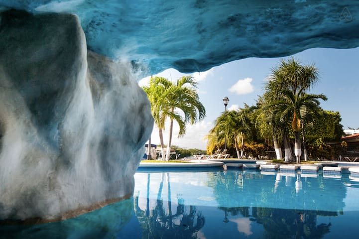 Affordable big room at Hotel Zone - Cancún - House