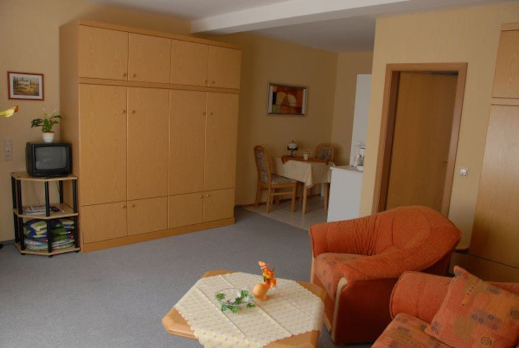 Zwei hochwertige Schrankbetten zum einklappen für mehr Platz.