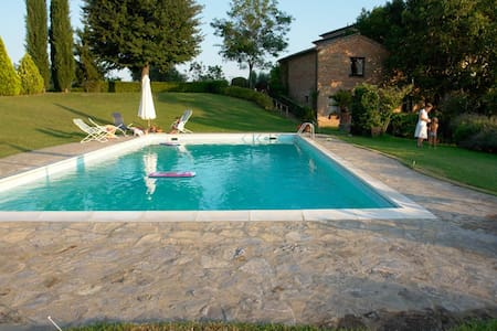 APARTMENT B IN VILLA WITH POOL