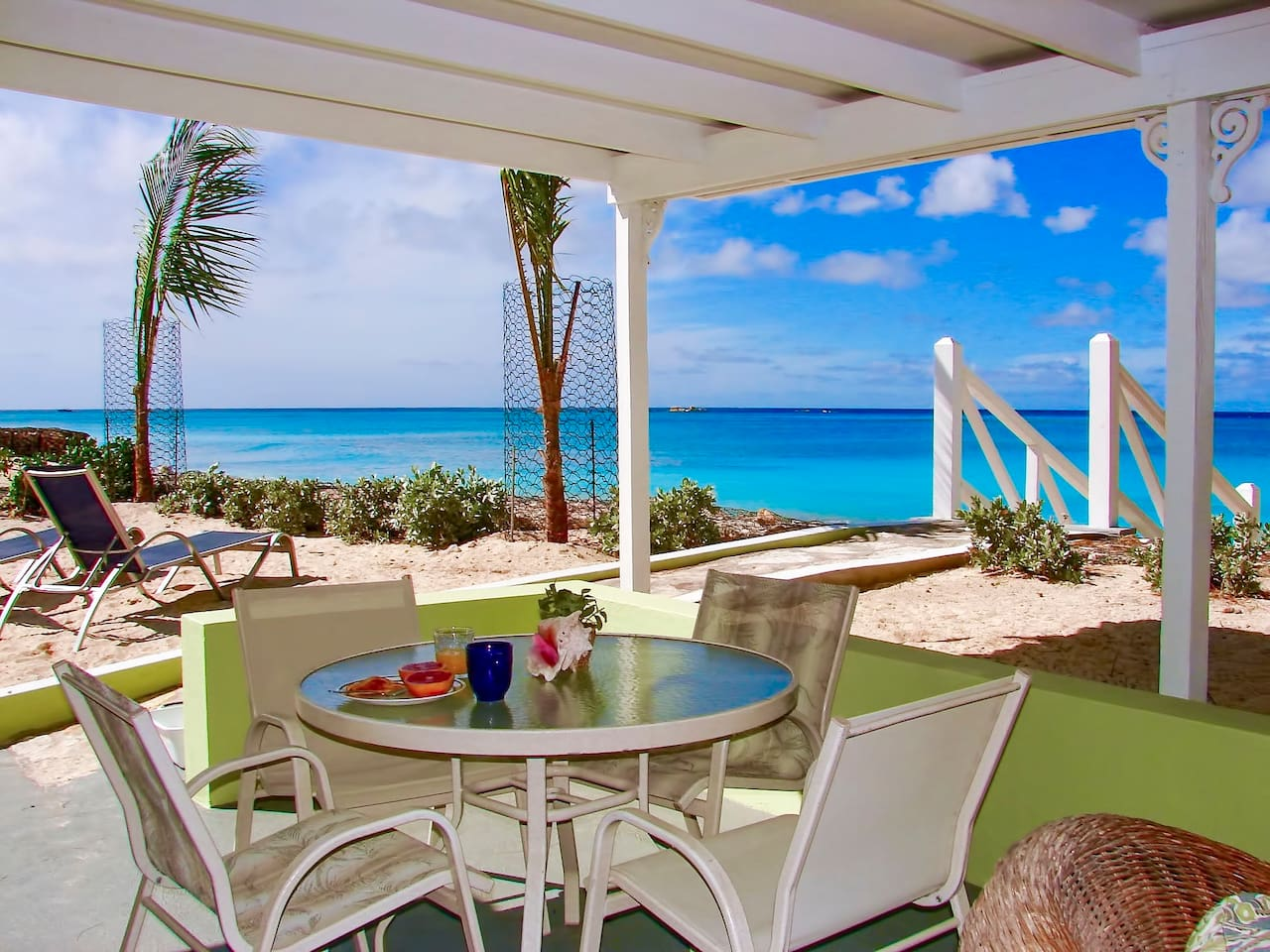 Enjoy breakfast on the veranda.