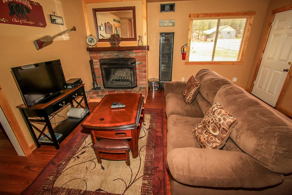 Wood Burning Fireplace, Flat Screen TV With Cable / DVD Player