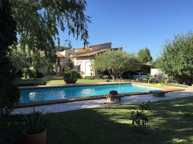 Maison avec piscine en Provence - Caumont-sur-Durance - House