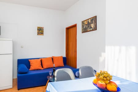 One bedroom Apartment, 30m from city center, seaside in Fazana, Terrace