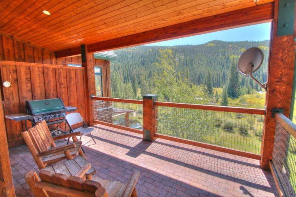 Private Balcony - Sit back, relax, and enjoy the breathtaking view!